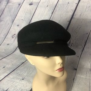 Nine west newsboy wool hat.